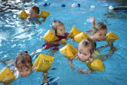 Zajęcia dla niemowlaków i dzieci na basenie
